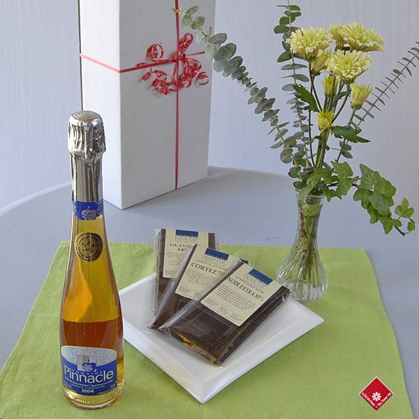 Cidre de glace pétillant du Domaine Pinnacle & Chocolats de Chocolats Privilège.